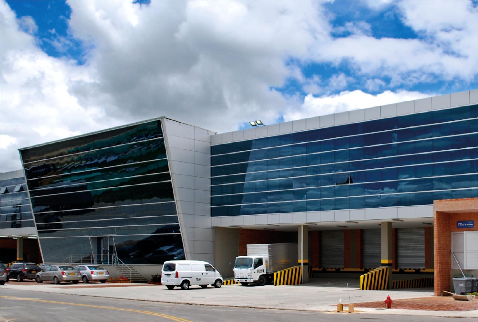 Rev It Motors >> Almacén Viva Barranquilla - Ventanar